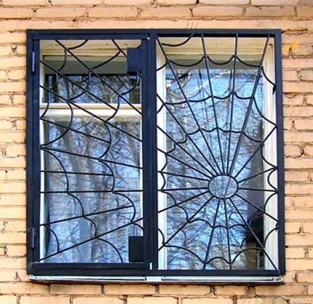 raspashnye-reshetki-na-okna